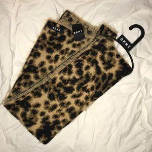 NWT DKNY scarf